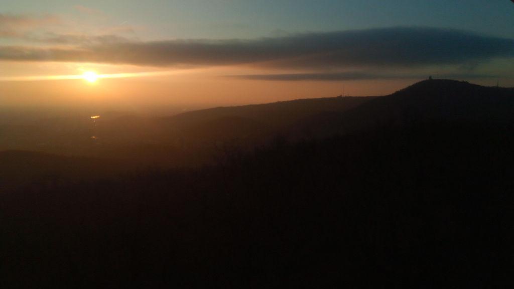 A János-hegy a Hárs-hegyről