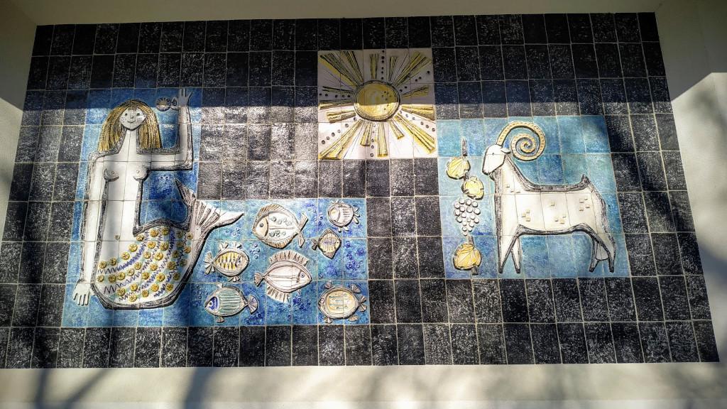 Kumpost Éva falképe a Hableány falán
