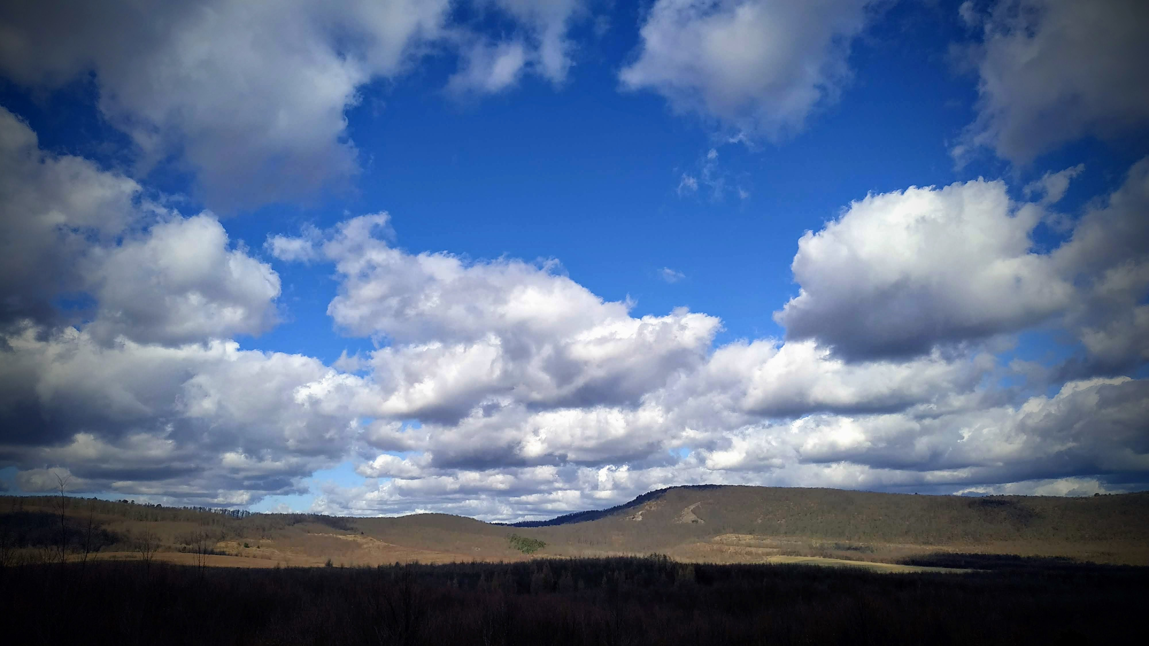 A Kutya-hegy a Nagy-Kopasz alól